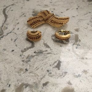 Vintage Brooch and Clip on Earrings 1980